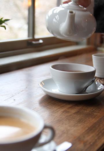 下呂市に流れる飛騨川と萩原の町並みを楽しみながらコーヒーをどうぞ